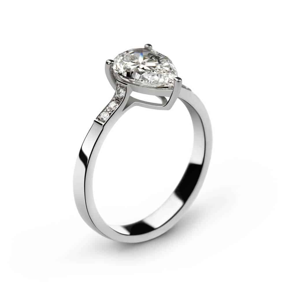 9 Essential Tips For Buying A Pear Shaped Diamond Engagement Ring