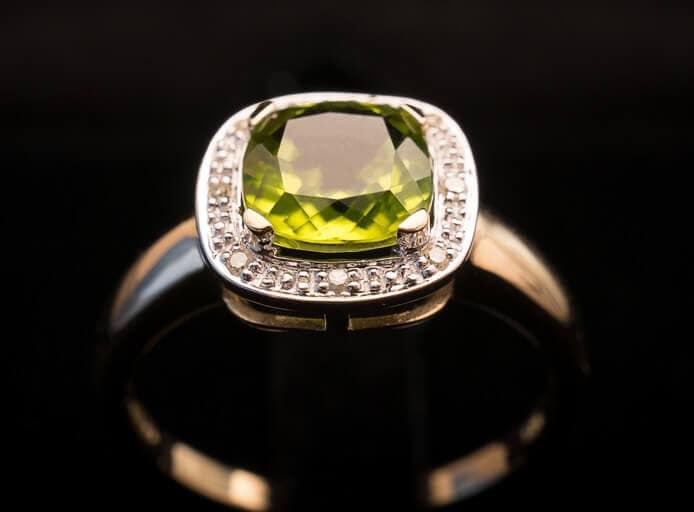 Freen peridot ring close up
