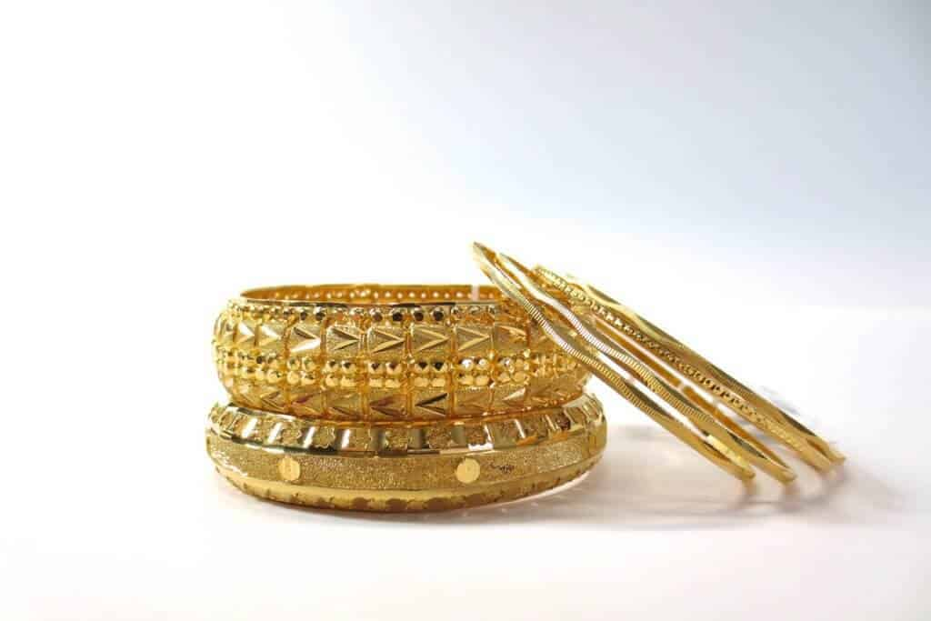 White Gold Vs Yellow Jewelry Guide