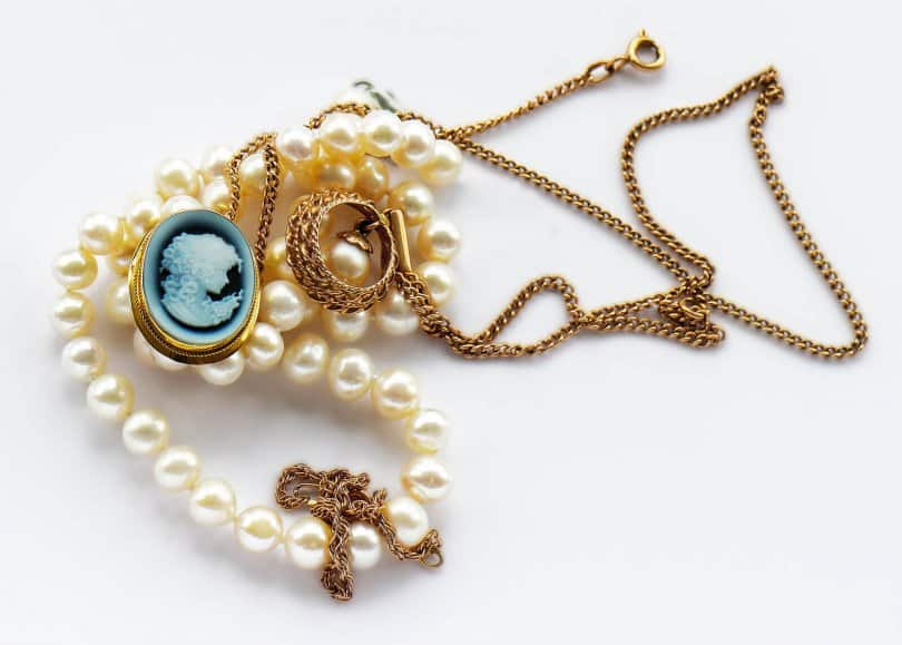 Cameo Jewelry Is Back Here S What You Need To Know To