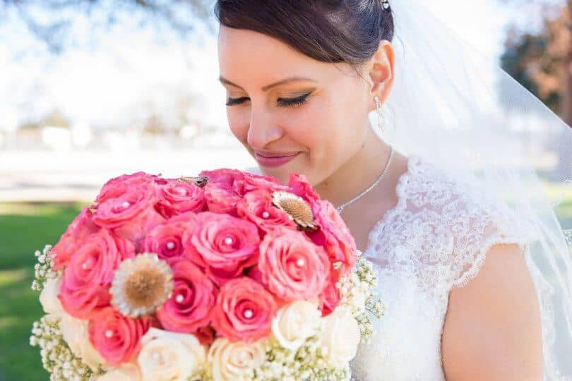 787f5538721 What Jewelry to Wear With Your Wedding Dress – Jewelry Guide