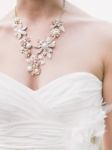 What Jewelry To Wear With Your Wedding Dress Jewelry Guide