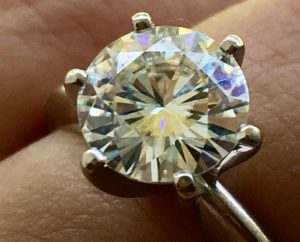 How to Clean and Care for Moissanite – Jewelry Guide