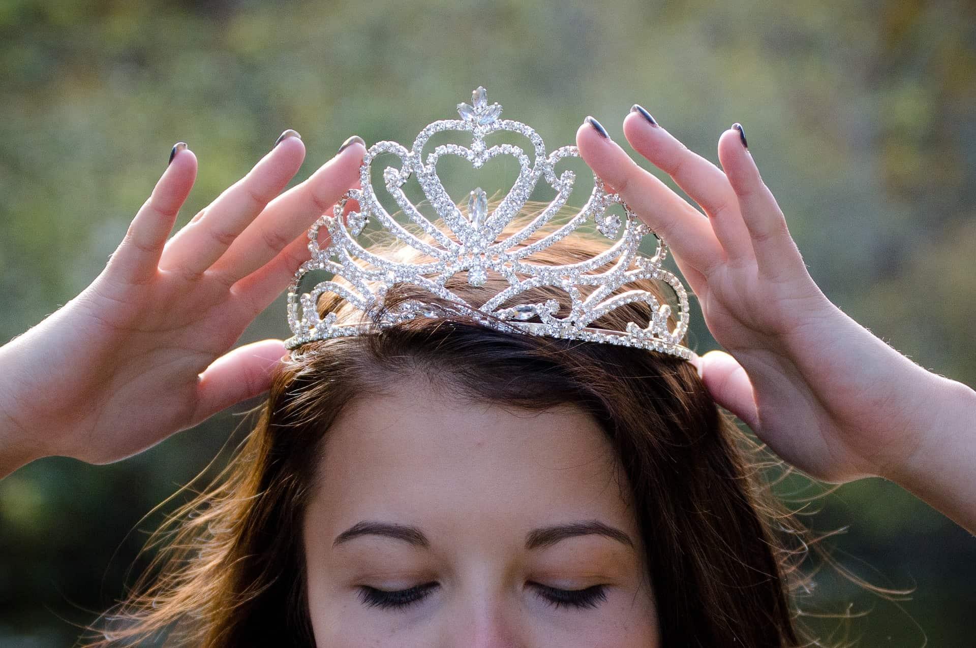 Baby Photo Shoot Birthday Gift Boy Girl Purple King Queen Diamante Tiara