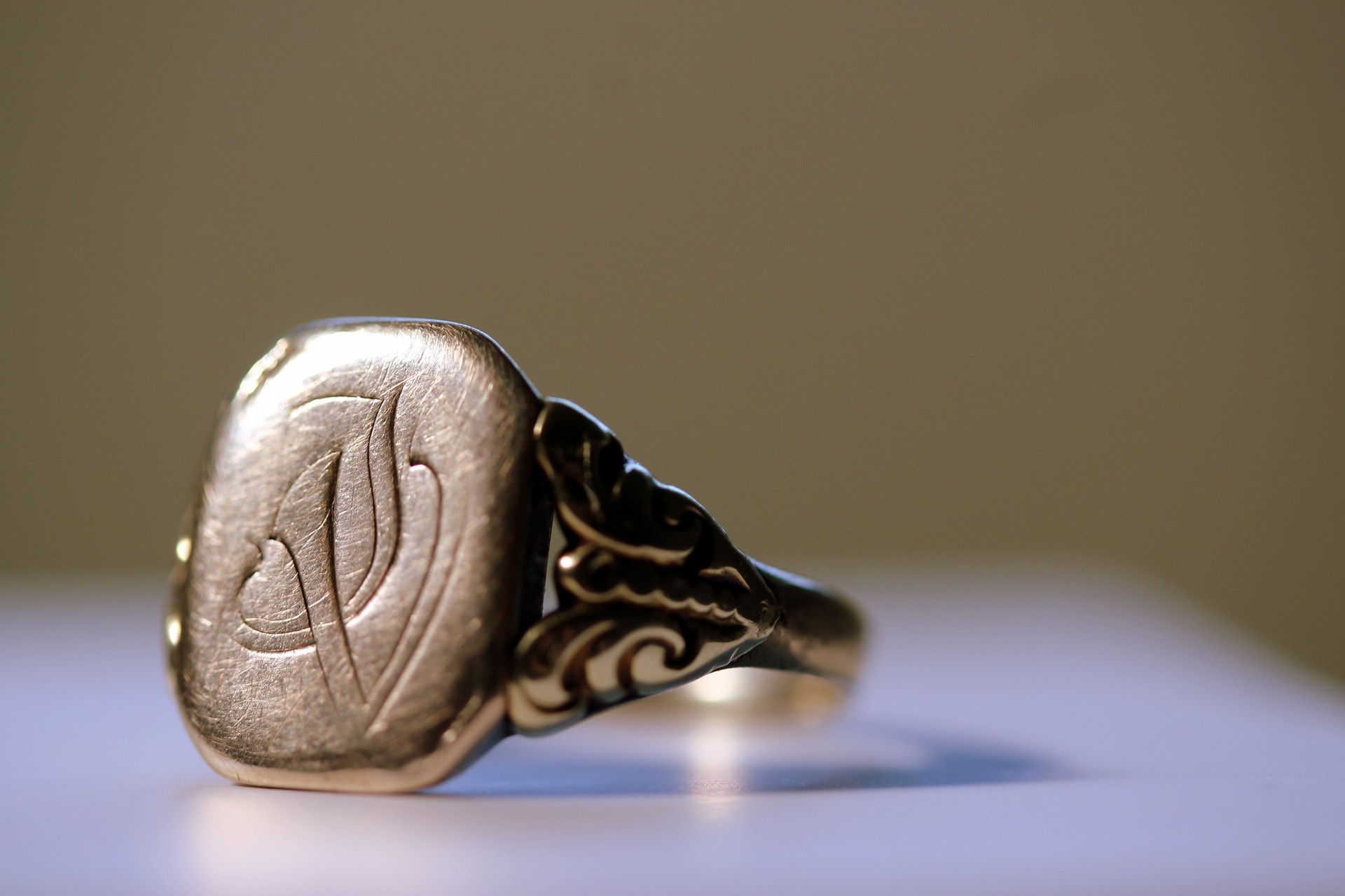 Your Guide To Wearing Signet Rings Jewelry Guide