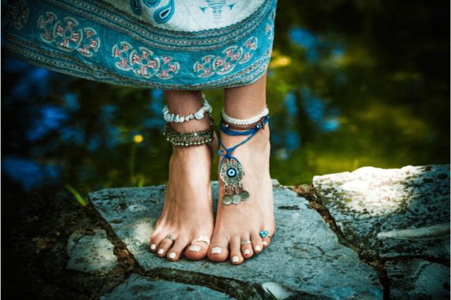 Символика ножных браслетов